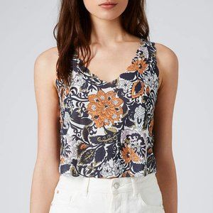 Topshop Scalloped Crop Top Kirada
